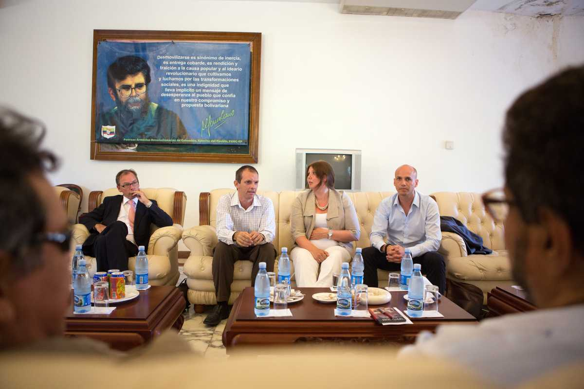 Norway's delegation, led by Larsen (second from right) and Nylander (right), with the Farc in Havana