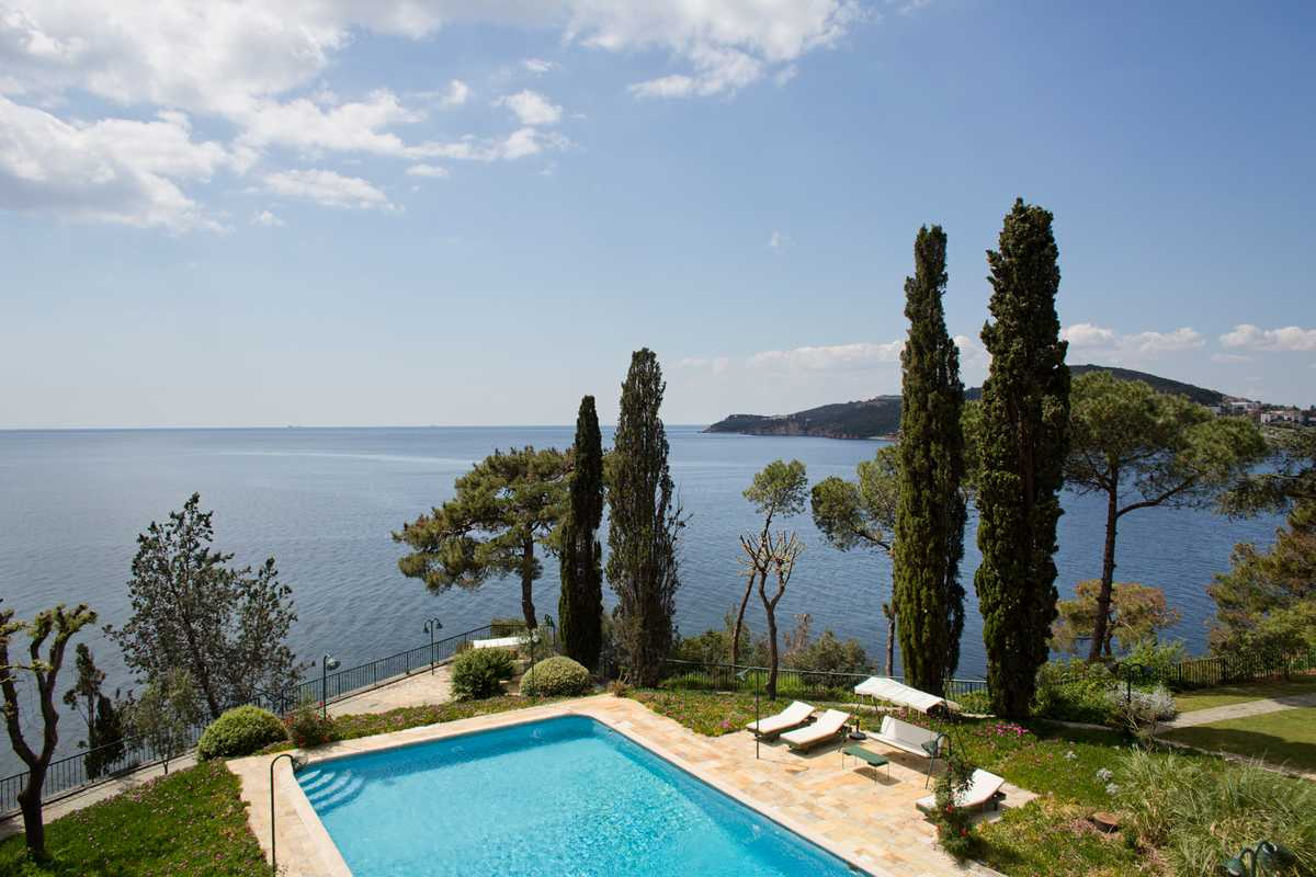 Pool overlooking the Sea of Marmara