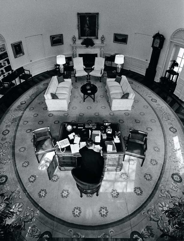 US president Ronald Reagan in the Oval Office in 1987