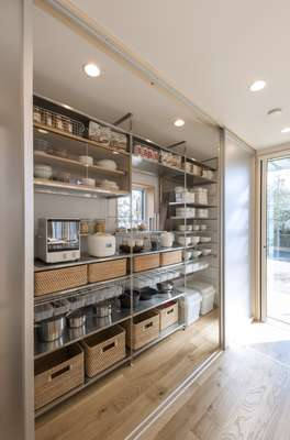 Kitchen cabinet, complete with Muji products