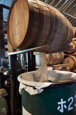 Draining casks