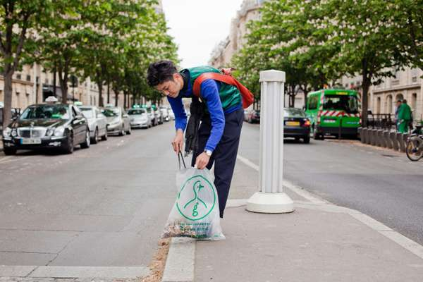 Kenta Usui, Paris team, on Avenue d'Eyla