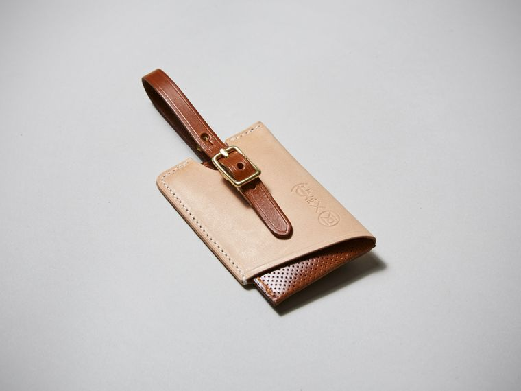 Tärnsjö Garveri x Monocle luggage tag