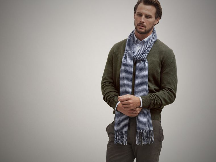 Begg & Co x Monocle houndstooth wool scarf